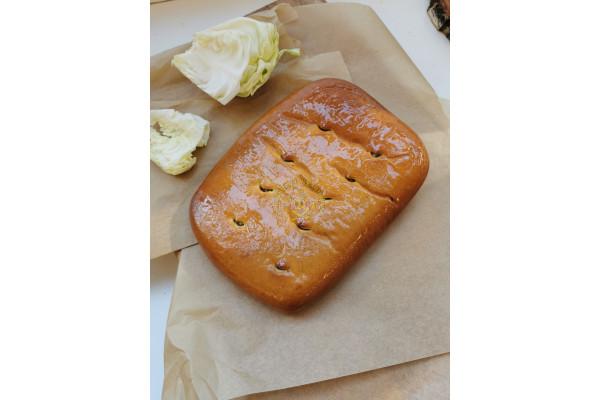 Пирог со свежей капустой